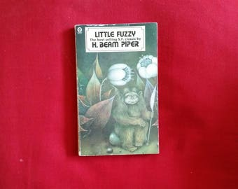 H. Beam Piper - Little Fuzzy (Futura 1977) - 1st UK edition