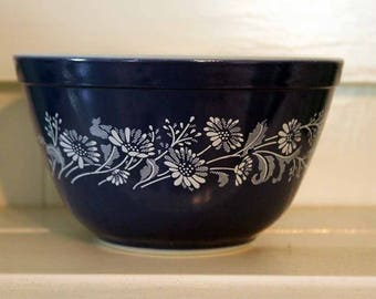 Pyrex 401, Colonial Mist Mixing Bowl, 1.5 Pints, Colonial Mist Mixing Bowl, Pyrex 401 Blue and White Mixing Bowl