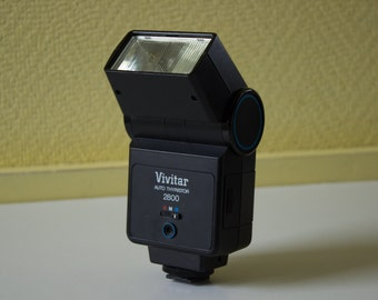 Vivitar Auto Thyristor 2800 - Electronic Camera Flash with tilting head