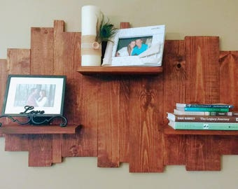 Staggered wooden shelf