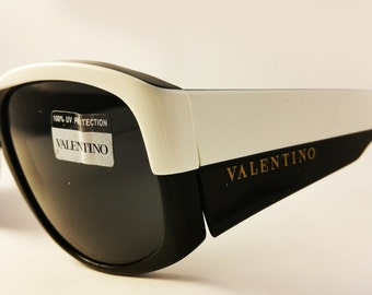 1980's Vintage Sunglasses Oliver by Valentino mod. 1832, Square Frame - Black and White Contrast Chic, Made in Italy
