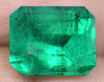 5.29 Ctw Top Vivid Green Rare & Best In Market Nr Certified Colombia Emerald