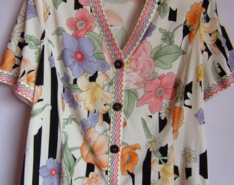 Vintage Women's Blouse/ Multicolor Summer Blouse/Embroidered Blouse/V Neck/ Button Up/Flowers Print/Short Sleeve/ Made in Italy/Size M