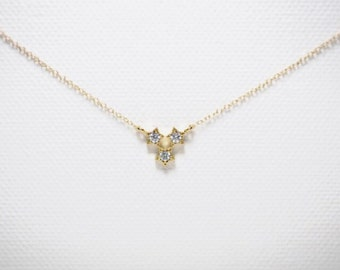 Sparkly cubic zirconia tri-star charm necklace//Gold plated//Minimalist//Simple//Dainty//