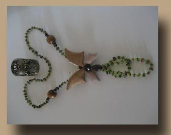 Gold & Green Butterfly. Necklace-pendant Butterfly silk beigebraun.