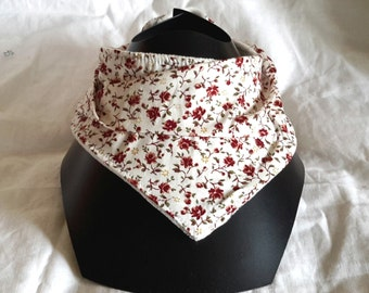 Bib-white bandana to maroon flowers