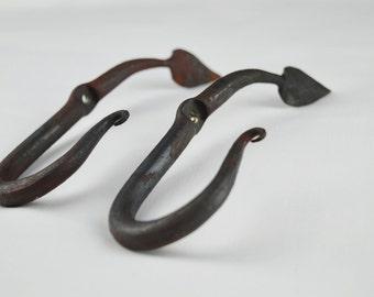 Leaf Hooks (Pair)