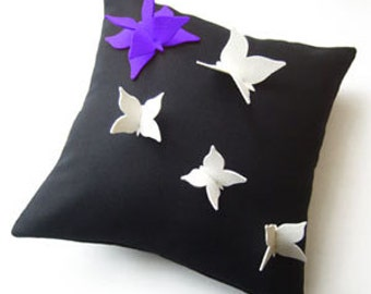 Butterfly Futterby Isolyn Cushion cover. You can't go wrong with black and white and a splash of colour, pure wool size 40×40 cm