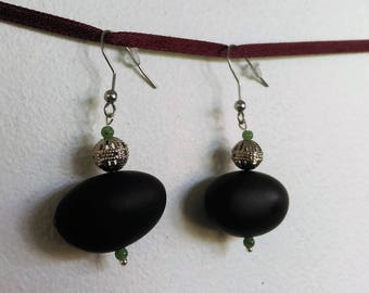 Natural Earrings: seeds courbaril and jade