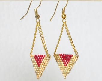 Earrings TRIANGLE TISSAGGE handmade gold and Burgundy beads