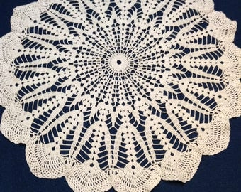 Large vintage thread crochet doily in white, a lovely pattern.