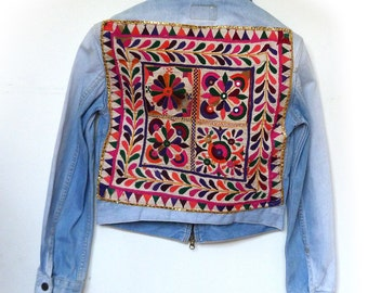 Levi Strauss Denim Jacket embroidered with Indian tribal embroidery size M