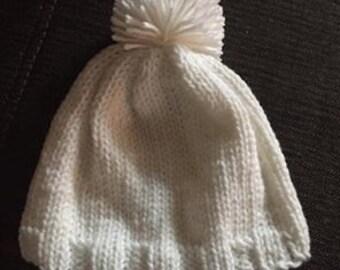 White Knit hat 0-6months