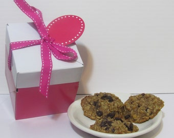 Oatmeal and Raisin cookies covered with Agave,  Vegan, Authentic Baked Goods, Dessert, Edible Delight, Sweet Treat