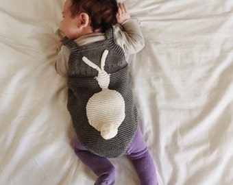 Knitted baby rompers with bunny on the back