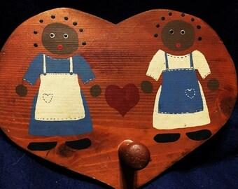 ON SALE Vintage Heart Shaped Mitt Holder