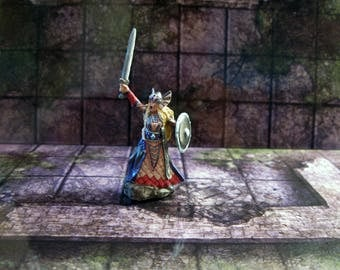 Valkyrie D&D Miniature - Painted / Dungeons and Dragons / Reaper Bones Miniature / DnD Miniature / RPG Miniature / Well Painted