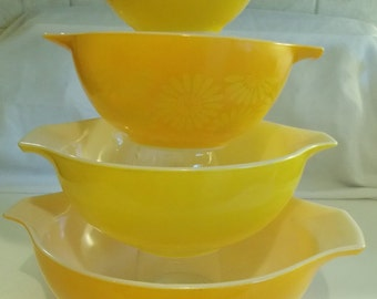 SET of Pyrex Cinderella orange daisies 4 mixing bowls