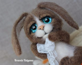 Needle felted bunny, Needle felted toy, wool figurine bunny, felt hare, Needle felted animals, soft sculpture, felt ornaments, Hand made toy
