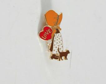 Vintage 70s Holly Hobbie brooch girls pin
