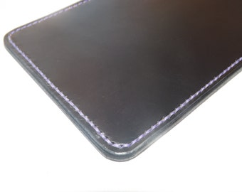 Small leather phone sleeve