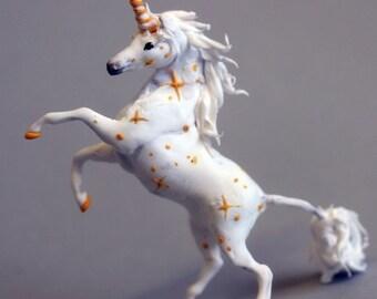White unicorn figurne,unicorn sculpture,unicorn statue