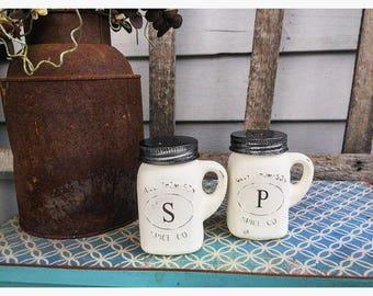 Salt and Pepper Shakers + Kitchen Set + Kitchen Decor + Farmhouse Kitchen + Wedding Gift + Mason Jar Set + Bridal Gift + Rustic Kitchen