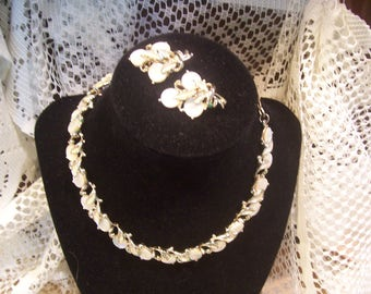 Thermoset Moonglow Necklace and Earring Set
