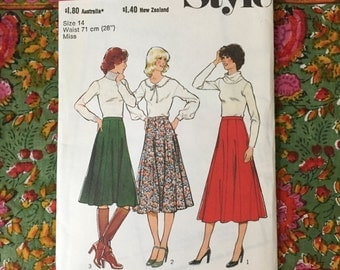 """1970s Vintage Style Pattern 2130 Misses' Skirt in 3 Lengths - Flared 8 Gore Skirt w Waistband and Centre Back Zipper - Size 14 """" Waist 28"""""""