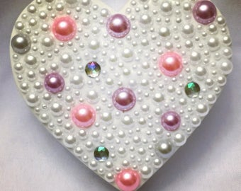 Pearl heart wall decor