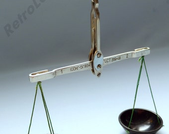 The scales of the USSR. Libra pharmacy. Laboratory scales. Jewelry scales. Measuring device. Vintage scales.
