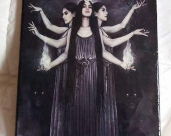 HECATE PICTURE