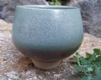 Green cup inspired by Japanese style