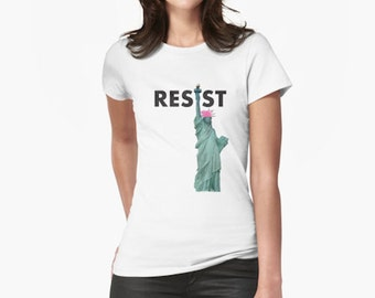 "PROTEST T-SHIRT- ""Resist! (Lady Liberty in Pussyhat)"""