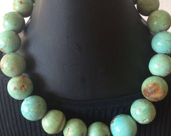 Vintage faux turquoise large & heavy stunning necklace
