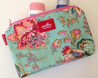Pretty Make-up Pouch For Her, Cosmetics Travel Bag, Soft Floral Print, Gift for Wife, Christmas Gift Idea, Make-up Lover Gift Cosmetics Bag