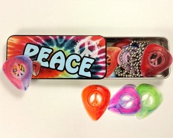 PICK PEACE 12 Guitar Picks Tin with Ball Chain Necklace and Hoop Made in the USA