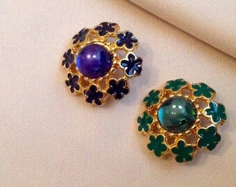 Jewel button flower dresses with Pearl and enamel on Gold support. Blue and Gold version