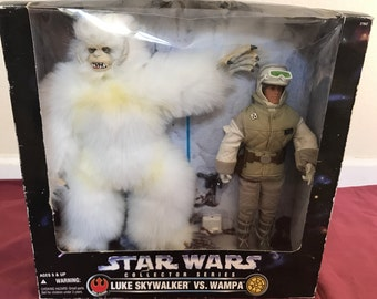 Star Wars Collector's Series: Luke Skywalker vs. Wampa