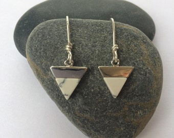 Howlite and silver earrings