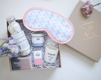 Pamper bride-to-be gift box