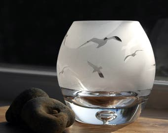 Hand Etched Globe Tealight - Seagull