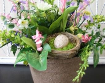 Spring Nest Floral