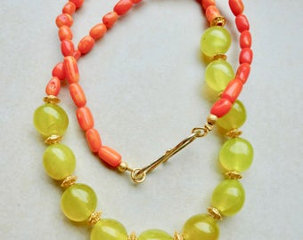 Coral necklace with jade