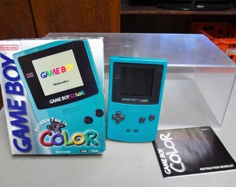 NINTENDO GAME BOY color - cgb-001 - teal - video game - works well - in original box