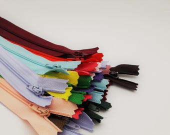 "20"" Zip Grab Bag (12 Closed End Zips - Assorted Colours)"