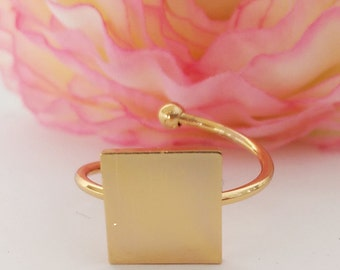 Fancy square ring