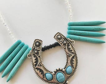 Turquoise/silver southwestern necklace
