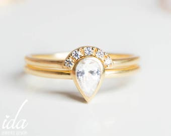 Pear Shaped Engagement Ring Set - Pear Diamond Ring - Pear Cut Engagement Ring Set - Wedding Ring set - Unique - 14K Gold Engagement Ring