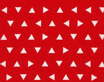 Red Triangles  // Basics // Quilters Cotton